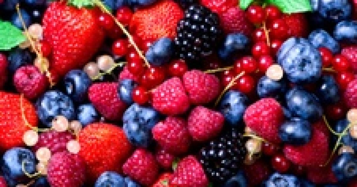 assortment-strawberry-blueberry-raspberry-blackberry-currant-mint-vegan-vegetarian-clean-eating-concept_80743-1846
