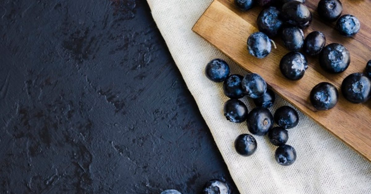 food-composition-with-blueberries_23-2148196347