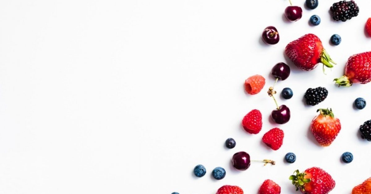 mix-fresh-tasty-berries-right-white-background_23-2148196294