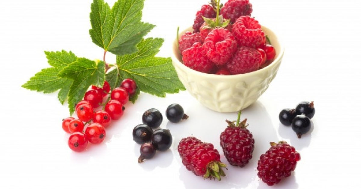 red-black-currants-with-green-leaves-raspberries-bowl-loganberry_90229-114